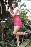 Outdoor In A Superhot Red Miniskirt - Picture 3
